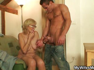 порно жену ебут негры
