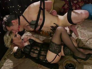 Секс вечеринка на квартире