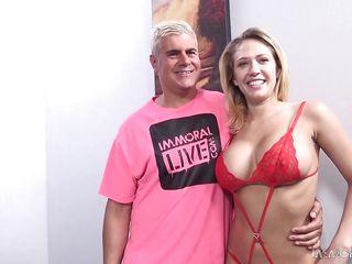 Порно комиксы про блондинок